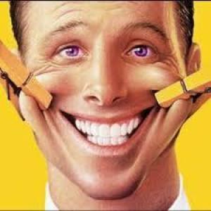 Не только продлевает жизнь: 4 причины смеяться как можно чаще
