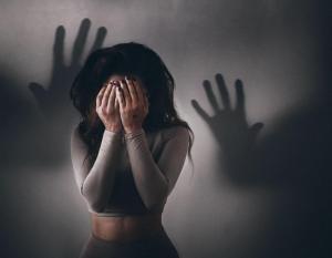 Как мобильные приложения для знакомств связаны с тревожностью и депрессией