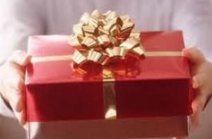 Какие подарки ни в коем случае нельзя дарить дамам