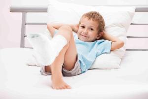 Если у ребенка перелом: оказываем первую помощь без ошибок
