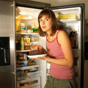Ночные перекусы: как перестать объедаться на ночь