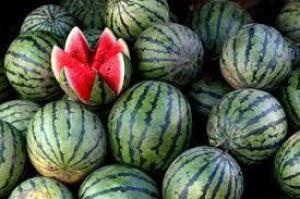 Эксперты рассказали, как выбрать спелый арбуз без нитратов