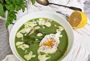 Суп из спаржи и шпината