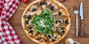 В меню Pizza Hut появилась веганская пепперони от Beyond Meat