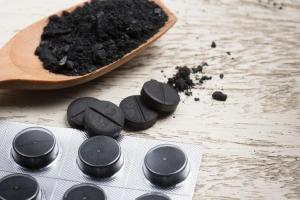 Не только при диарее: как можно использовать активированный уголь