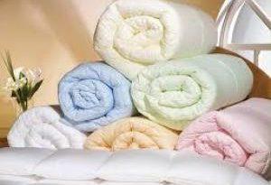 Тяжелые одеяла помогают бороться с бессонницей: исследование