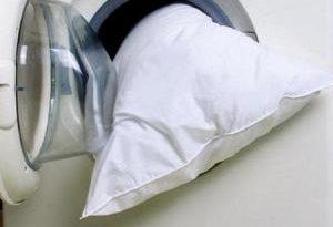 Стираем подушки правильно: для чистого и здорового сна