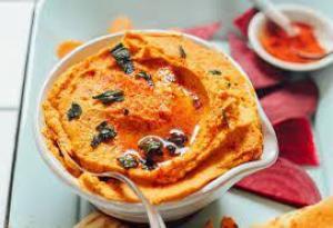 Тыквенный хумус с соусом харисса