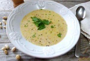 Арахисовый суп с сельдереем