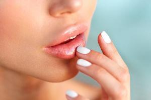Как увеличить губы ивыжить: инструкция из5шагов