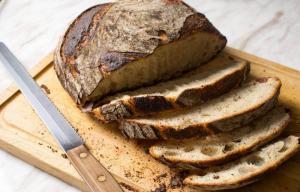 Как дольше сохранить хлеб свежим