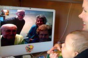 Видео-общение помогает поддерживать семейные отношения