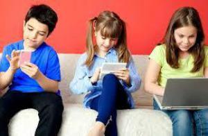 Бдительность и табу на гаджеты: правила безопасности для детей на улице